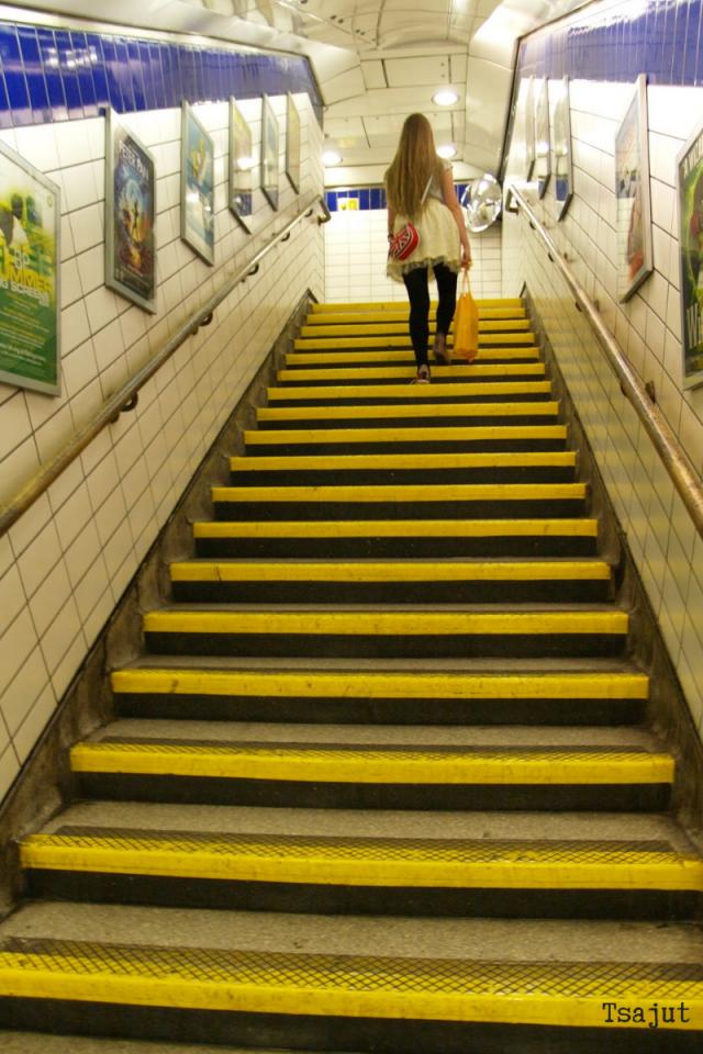 lontoon metron portaat
